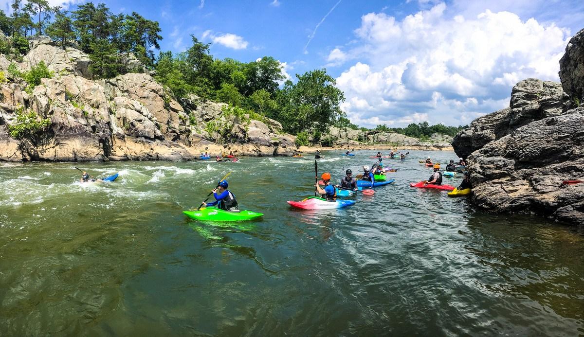 Surf the Potomac outside DC Liquidlogic Learn to kayak Beginner kayak lessons